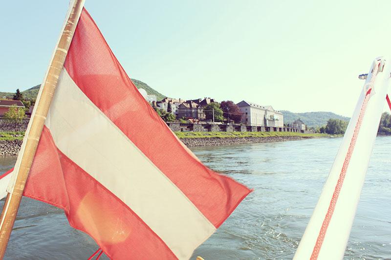 Österreich Flagge auf der MS Carnuntum